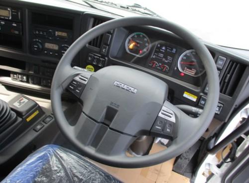 新型ギガのデモ車02